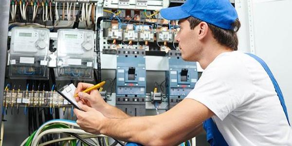 Для чего проходить обучение по электробезопасности плакаты по электробезопасности для щитовой купить в твери
