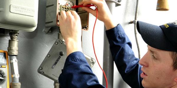 Электробезопасность в цеху наклейки по электробезопасности купить минск